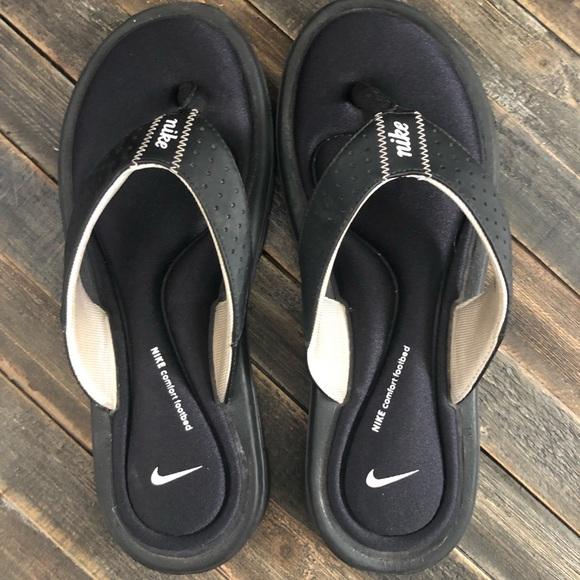 6d0d9088edfb Women s Nike comfort flip flops size 6. Nike. M 5caf50a0d4000877465ecfae.  M 5caf50a2bbf07669d39d4e7b. M 5caf50a379df270f95b446f6.  M 5caf50a42e7c2f310c892b4c